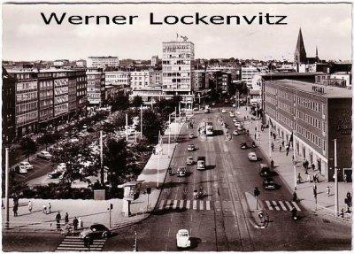 Ansichtskarte Kiel Holsten Platz mit Postamt und Straßenbahn