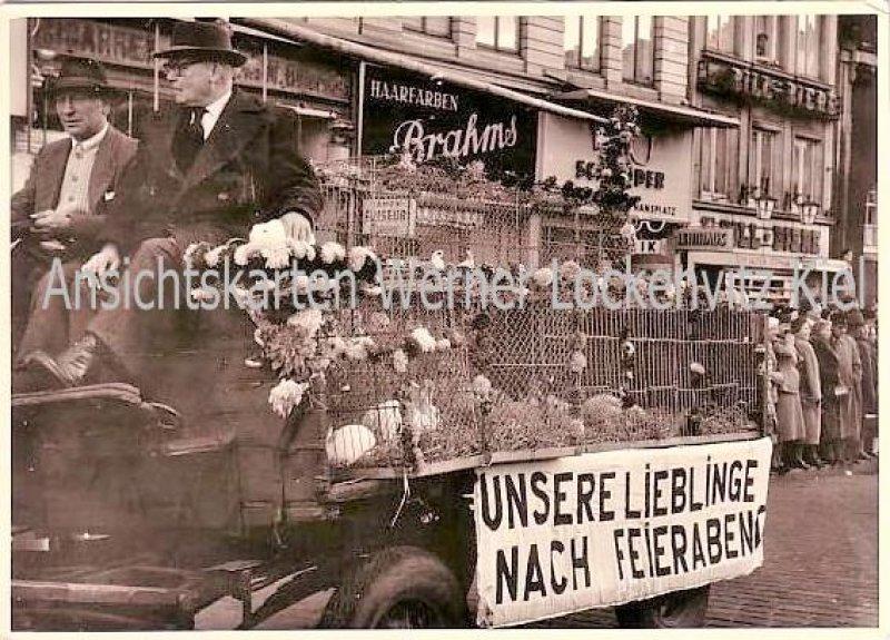 Ansichtskarte Hamburg Unsere Lieblinge nach Feierabend Umzug Tauben Kaninchen mit Friseur Brahms Gaststätte zum alten Stephan