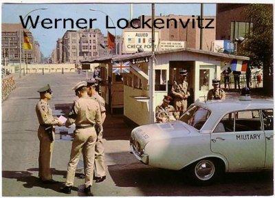 Ansichtskarte Berlin Friedrichstraße Allied Checkpoint Mauer Grenze