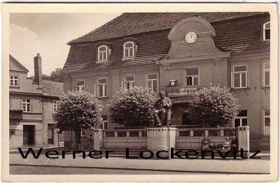 Ansichtskarte Stavenhagen Reuterstadt Gebäude mit sozialistischem Spruch