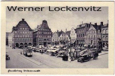 Ansichtskarte Flensburg Südermarkt mit Straßenbahn und Wochenmarkt