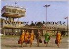 Ansichtskarte Polen Warschau Warszawa LOT The Il-62 crew airport Flughafen