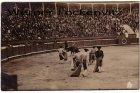 Ansichtskarte Postal Spanien España Torrero im Kampf mit Stier Fotokarte