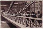 Ansichtskarte Budapest Kettenbrücke mit Fußgängern Fotokarte