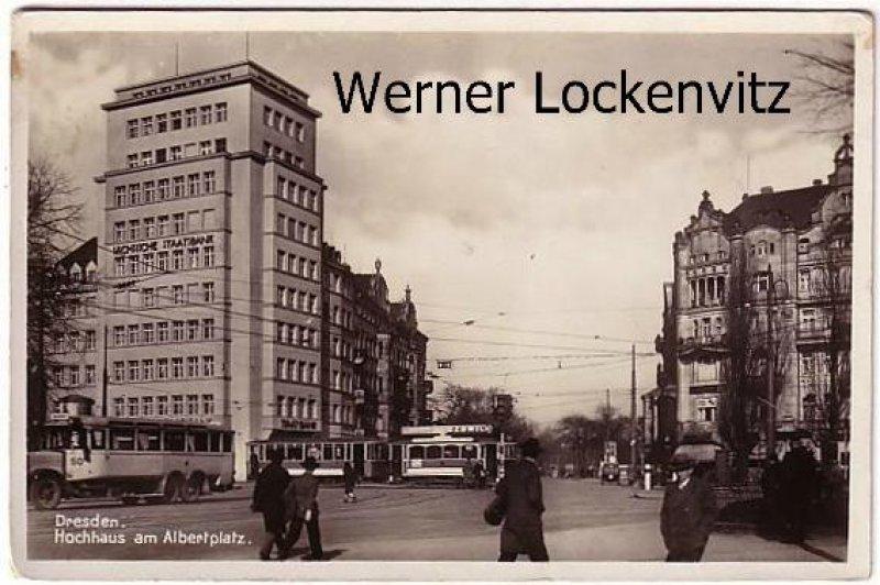Ansichtskarte Dresden Hochhaus am Albertplatz mit Bus und Straßenbahn und Sächsische Staatsbank