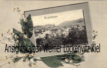 Ansichtskarte Waldheim Ortsansicht im Blumenstrauß mit Bahnpoststempel