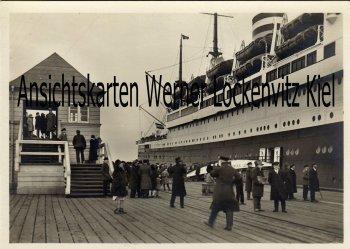 Ansichtskarte Cuxhaven Überseedampfer an der Neuen Liebe