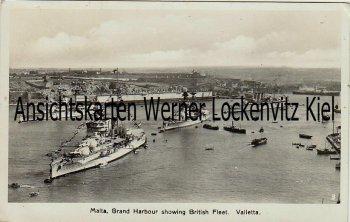 Ansichtskarte Malta Grand Harbour showing British Fleet Valetta