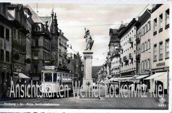 Ansichtskarte Freiburg i. B. Beim Bertholdbrunnen mit Straßenbahn Linie 2 Günterstal