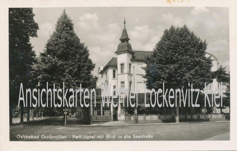 Ansichtskarte Polen Pommern Großmöllen Mielno Parkhotel mit Blick in die Seestraße