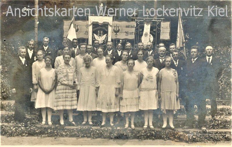 Ansichtskarte gemischter Chor Gesangsverein in Nienborstel Todenbüttel Fotokarte Luhnau