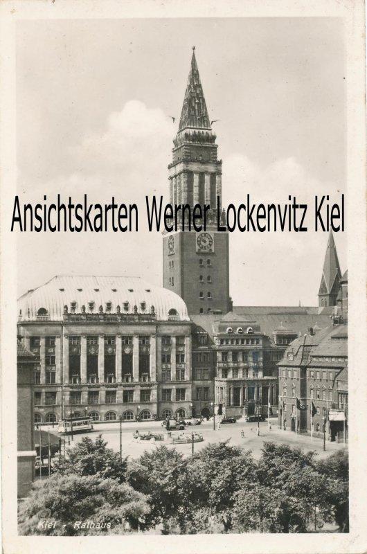 Ansichtskarte Rathaus mit Straßenbahn in Kiel
